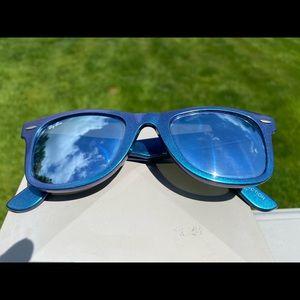 Ray Ban Wayfarer Discontinued Mercury sunglasses